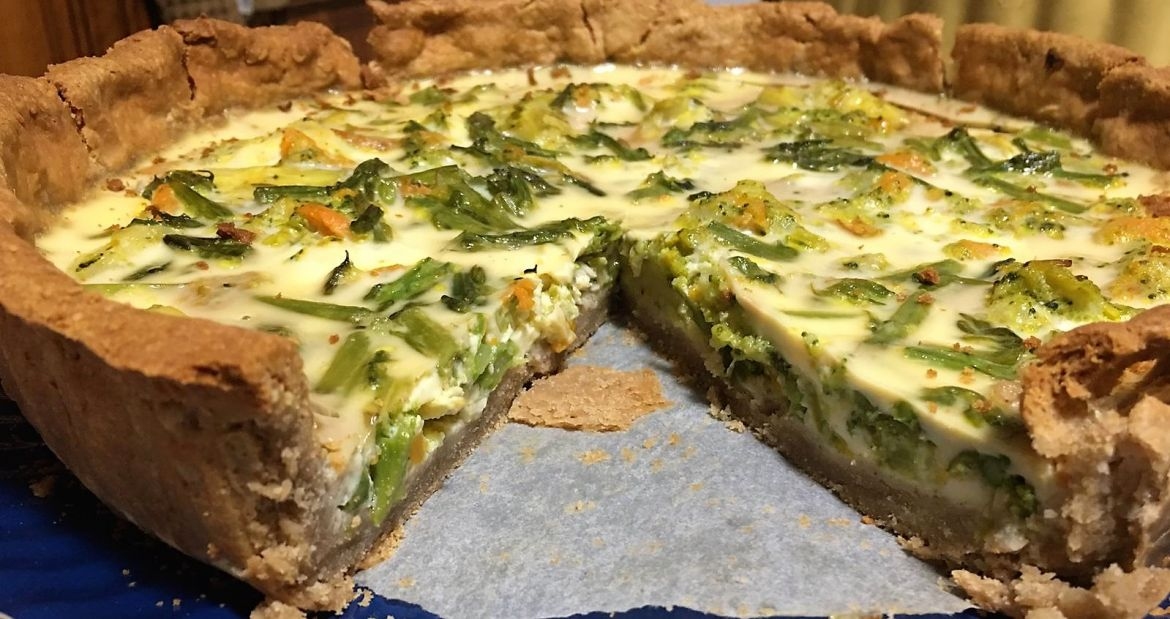 Quiche de verduras con base de sarraceno.